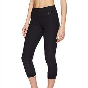 Nike Size M  Power Legend Training Crop Black
